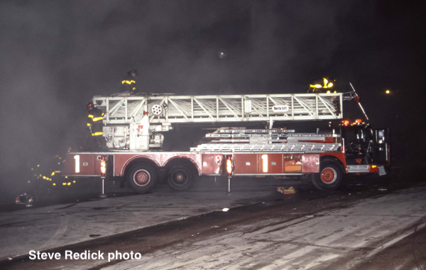 Chicago FD Truck 1 Hendrickson Morita ladder at a 3-11 Alarm fire 4/14/87