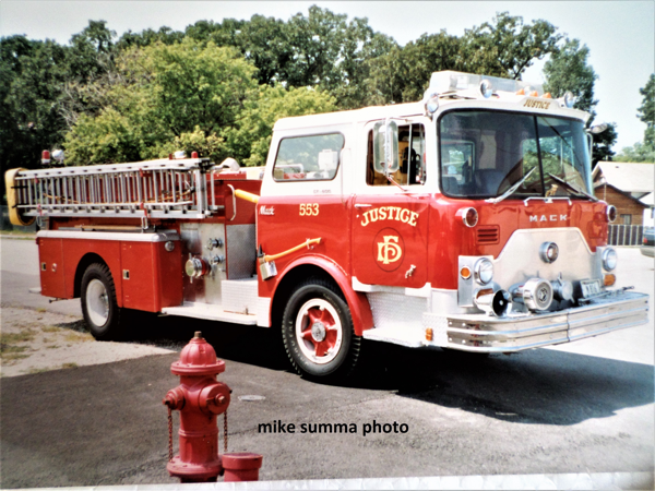 Justice FD Engine 553 - 1971 Mack CF