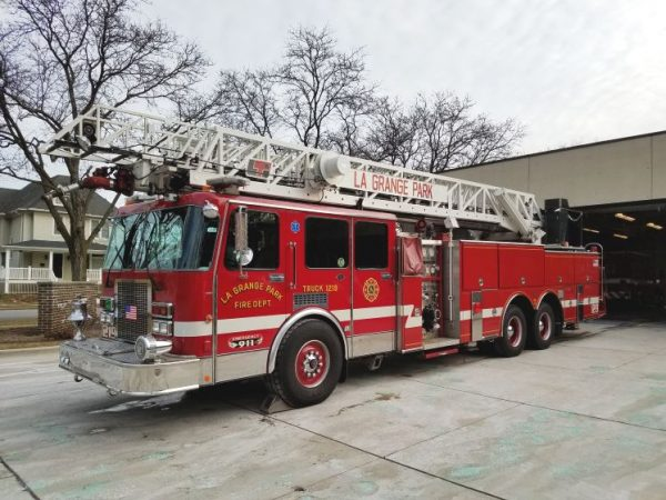 La Grange Park FD 1990 Spartan Simon 110' LTI Ladder Fire Truck w/ 200 Gallon Tank and Pump for sale