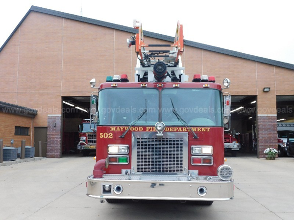 Maywood FD Truck 502 1997 Spartan/Darley Ladder Truck for sale