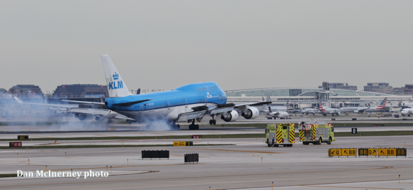 KLM 747 landing at O'Hare Airport with Chicago FD Squad 7 and Squad 7A