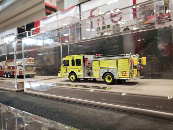 Chicago FD die-cast model by Fire Replicas