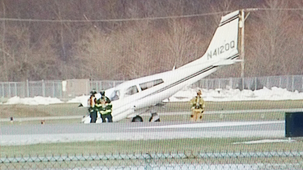 private plane after landing without front nose gear