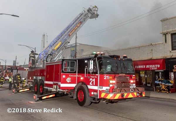 Chicago FD Tower Ladder 21