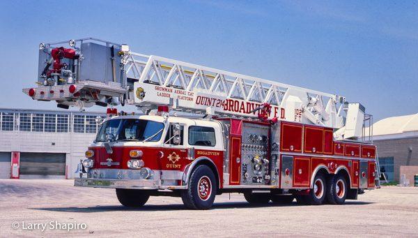 1985 American LaFrance Century 102' Grumman AerialCat