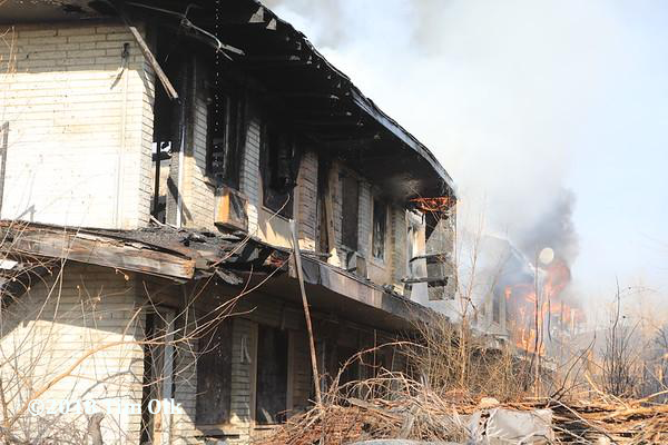 fire destroyed a vacant motel