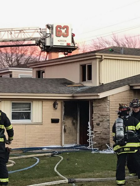 house fire scene in Des Plaines IL 12-15-18