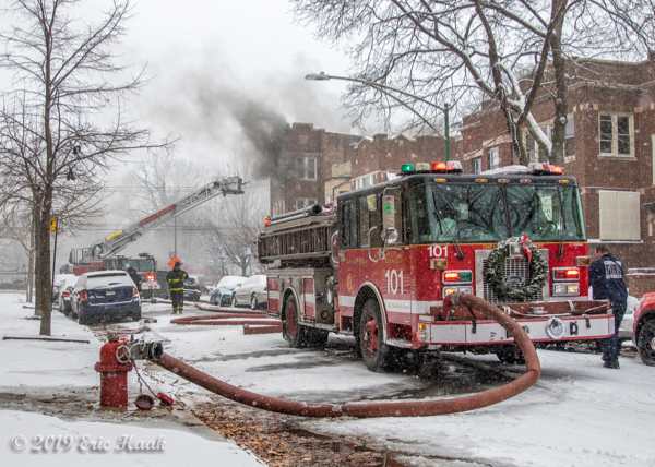 Chicago FD Engine 101 at work