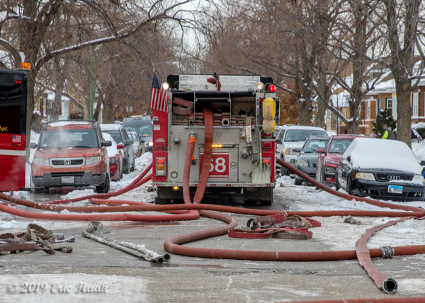 Chicago FD Engine 68 with lines off