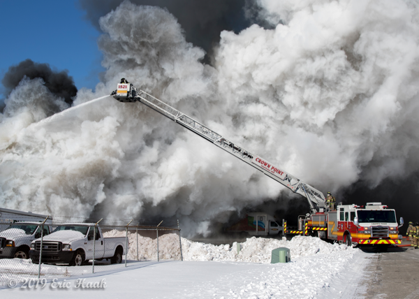 massive unique smoke conditions at frigid commercial building fire