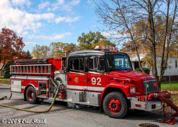 Chicago FD Engine 92 Freightliner/American LaFrance pumping