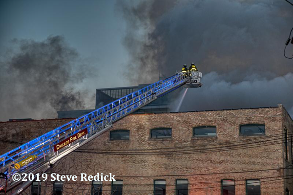 Chicago FD Tower Ladder 5 at work