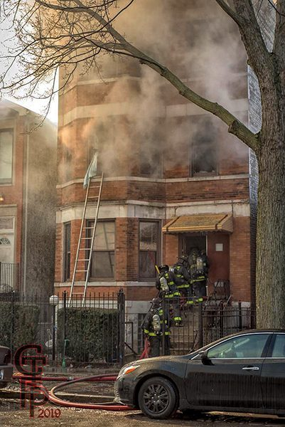 heavy smoke from 3-flat in Chicago