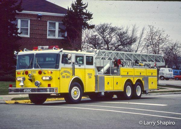 vintage Duplex/FMC/LTI mid-mount aerial ladder truck