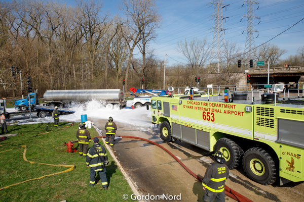 Chicago FD ARFF 6-5-3 applying foam