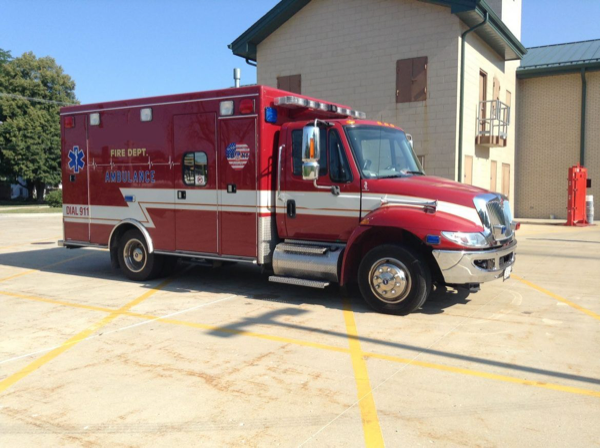 2007 IHC 4300/Road Rescue Type I ambulance for sale