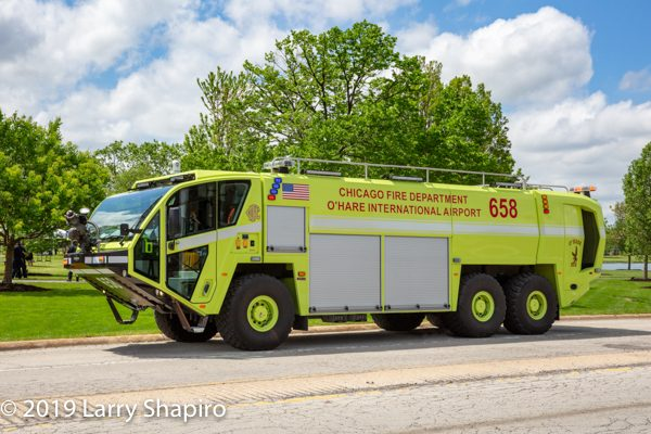 Chicago FD ARFF 658 Oshkosh Striker 3000