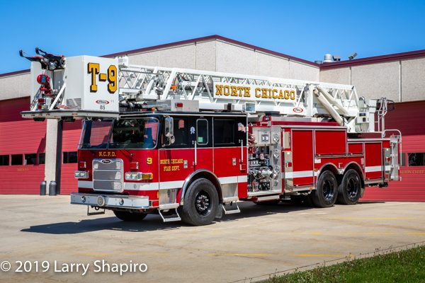 2009 Pierce Arrow XT 85' tower ladder