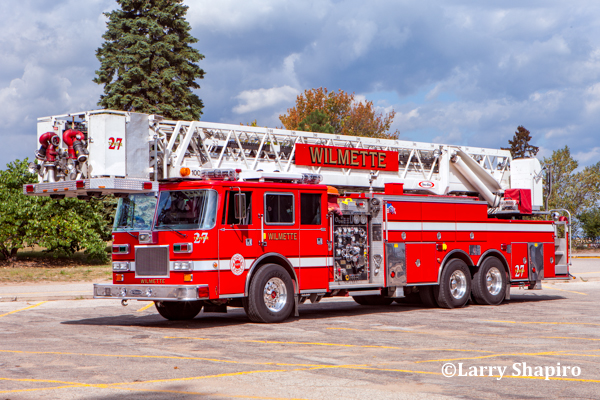 Wilmette FD Tower Ladder 27