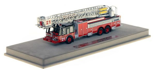 Chicago FD 1985 E-ONE tower ladder replica model of Tower Ladder 21