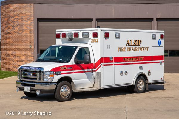 Alsip Ambulance 2042 - 2017 Ford E450/2018 Road Rescue Type III ambulance so 251215