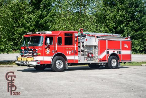 Pierce Arrow XT fire engine