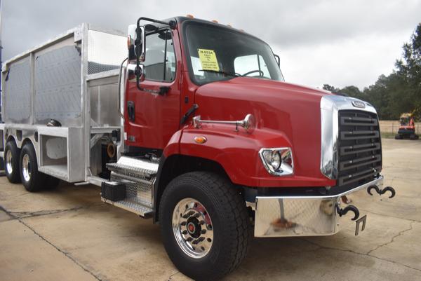 Freightliner 114SD fire truck
