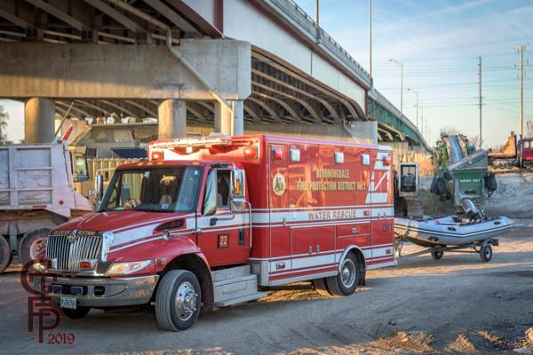 fire department dive rescue truck