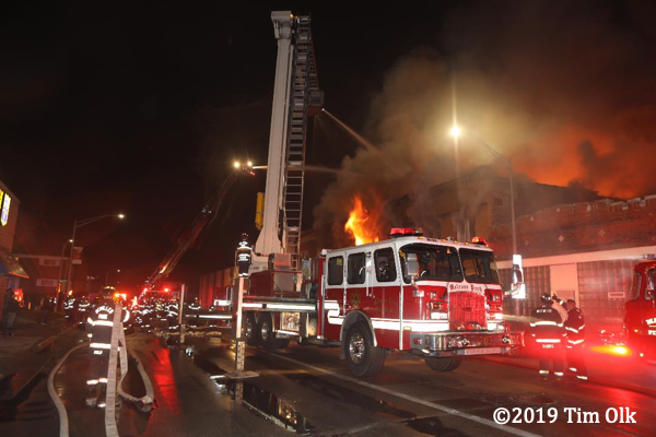 Melrose Park FD E-ONE Bronto Sky-Lift at fire scene