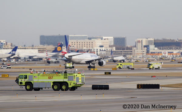 Oshkosh Striker 6x6 at O'Hare