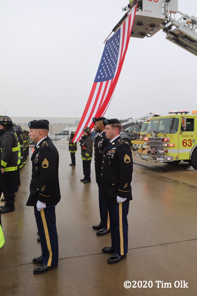 fallen soldier arrives at O'Hare Airport