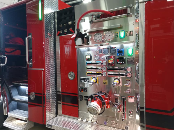 Sutphen Monarch pumper pump panel