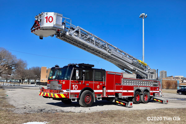 E-ONE Cyclone tower ladder in Chicago