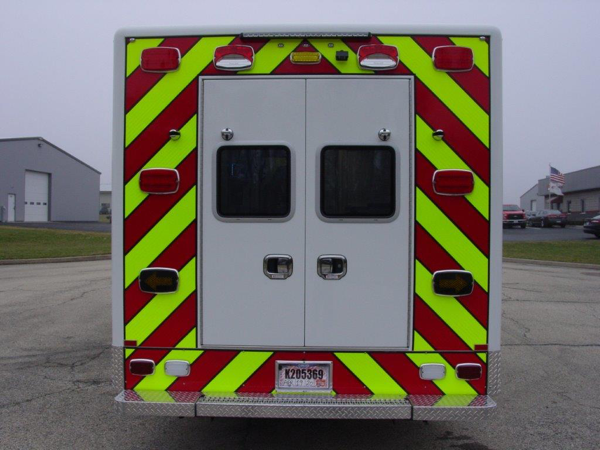 Horton Type I ambulance on Ford F550 chassis for the Lincolnshire-Riverwoods FPD in IL