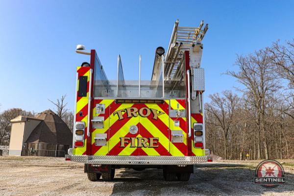 Rosenbauer Command fire engine