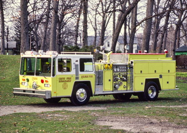 1982 Hendrickson/FMC fire engine