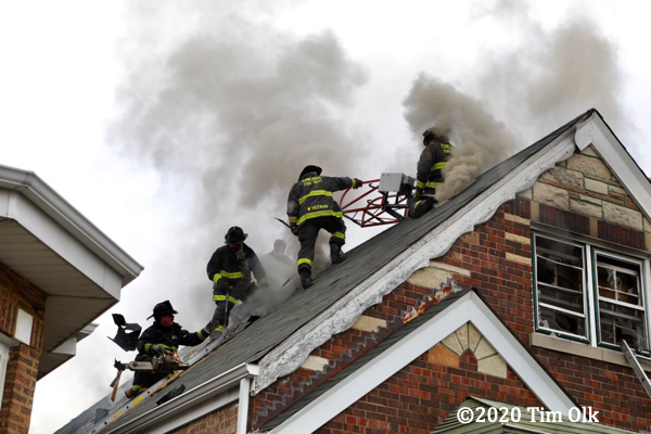 Firefighters battle house fire in Chicago