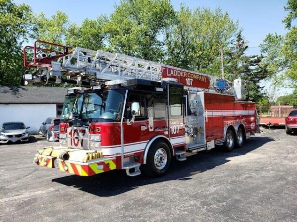 Bensenville 2017 E-ONE Cyclone 100' quint for sale