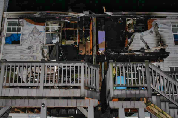 townhouse units destroyed by fire in Bartlett, IL 8/7/20.