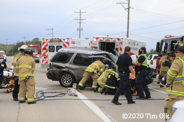 Boone County Fire District 2 Firefighters and paramedics at crash scene