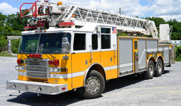 Former Lisle-Woodridge FPD ladder truck for sale