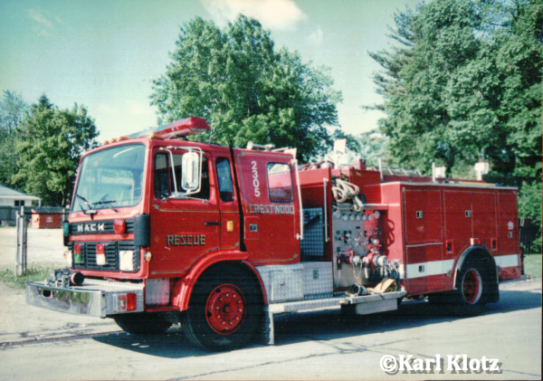 Mack Midliner MS fire engine