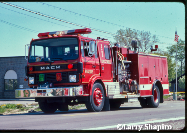 Mack MS fire engine