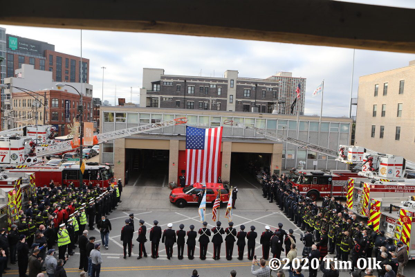 Chicago Firefighters bid farewell to retiring Special Operations Battalion Chief Pat Maloney