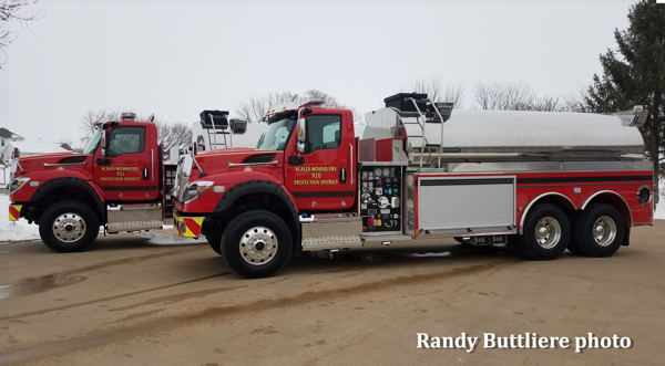 New pair of IHC/Pierce elliptical tankers for the Scale Mound FPD in Illinois