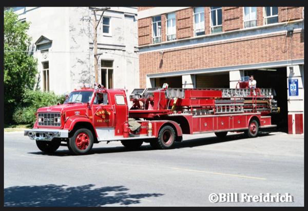 Evanston FD Truck 21
