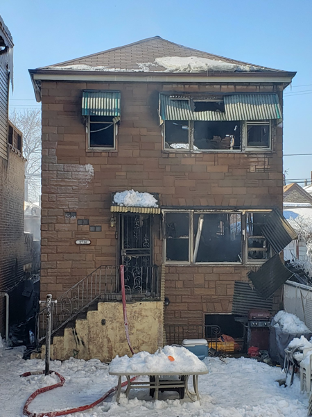 house fire where 7 Chicago Firefighters were injured