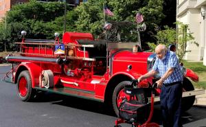 Park Ridge FD restored 1932 Pirsch fire engine
