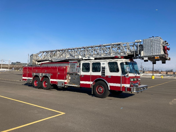 1995 E-ONE Hurricane 95' tower ladder for sale