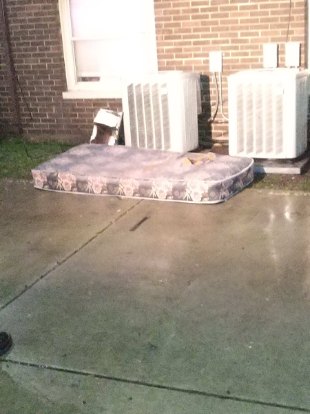 mattress where 8-year-old jumped to safety
